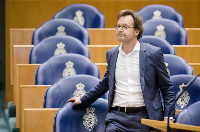 Ronald van Raak in de plenaire zaal van de Tweede Kamer.