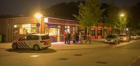 Overval met vuurwapen en mes op cafetaria De Tempel in Eindhoven, daders gevlucht met geld