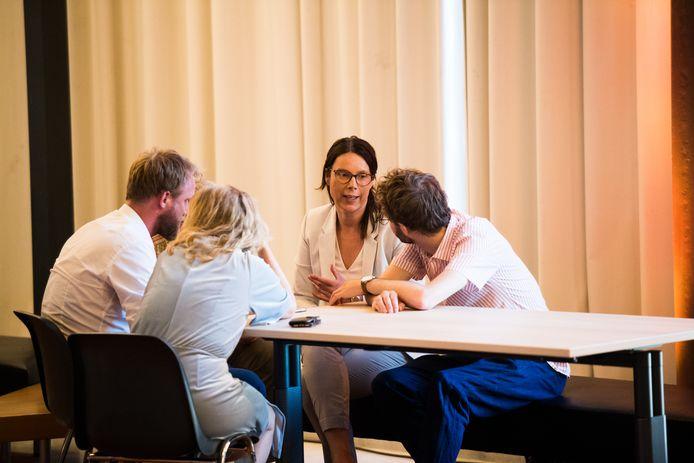 De fractie van D66 in bespreking tijdens een debat vorig jaar, met links Sjoerd Dijk.