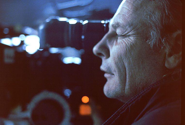 Robby Müller tijdens de opnames voor When Pigs Fly Beeld Gehner