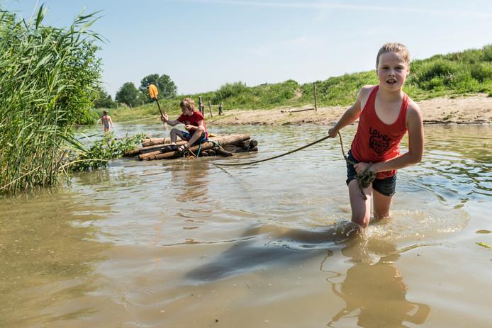 Er wordt de komende weken extra modder op de natuurspeeltuin gegooid.