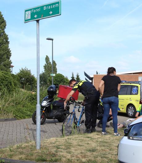 Racefietser botst met brommer in Amersfoort