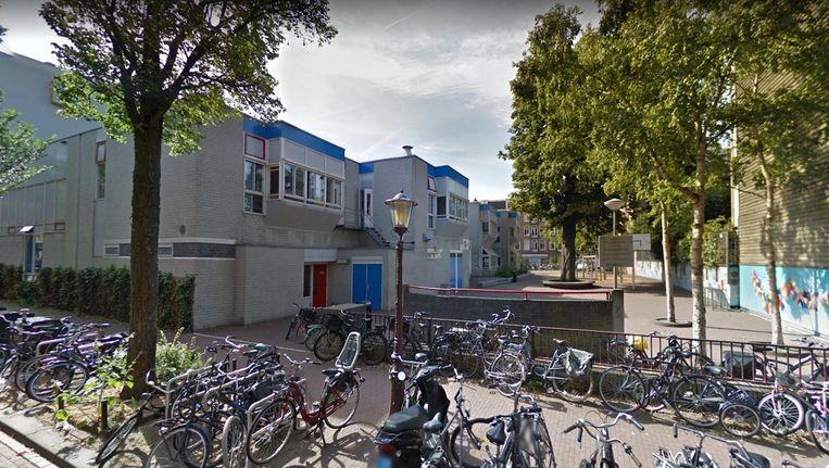 De J.P. Coenschool in Oost. Beeld Streetview