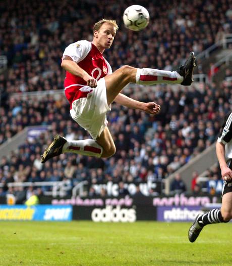 Kunststukje Bergkamp verkozen tot mooiste goal ooit in Premier League