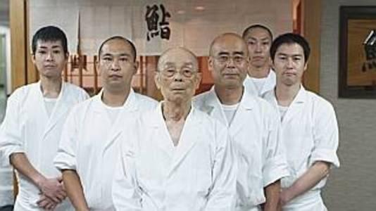 Jiro Ono met zijn team in zijn vermaarde sushirestaurant