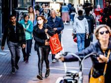 Mondkapjes in Dordrecht eerder uitzondering dan regel: 'Wees niet zo laks en doe een kapje op!'
