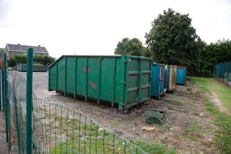 Een archiefbeeld van het 'containerparkje' in Knesselare.