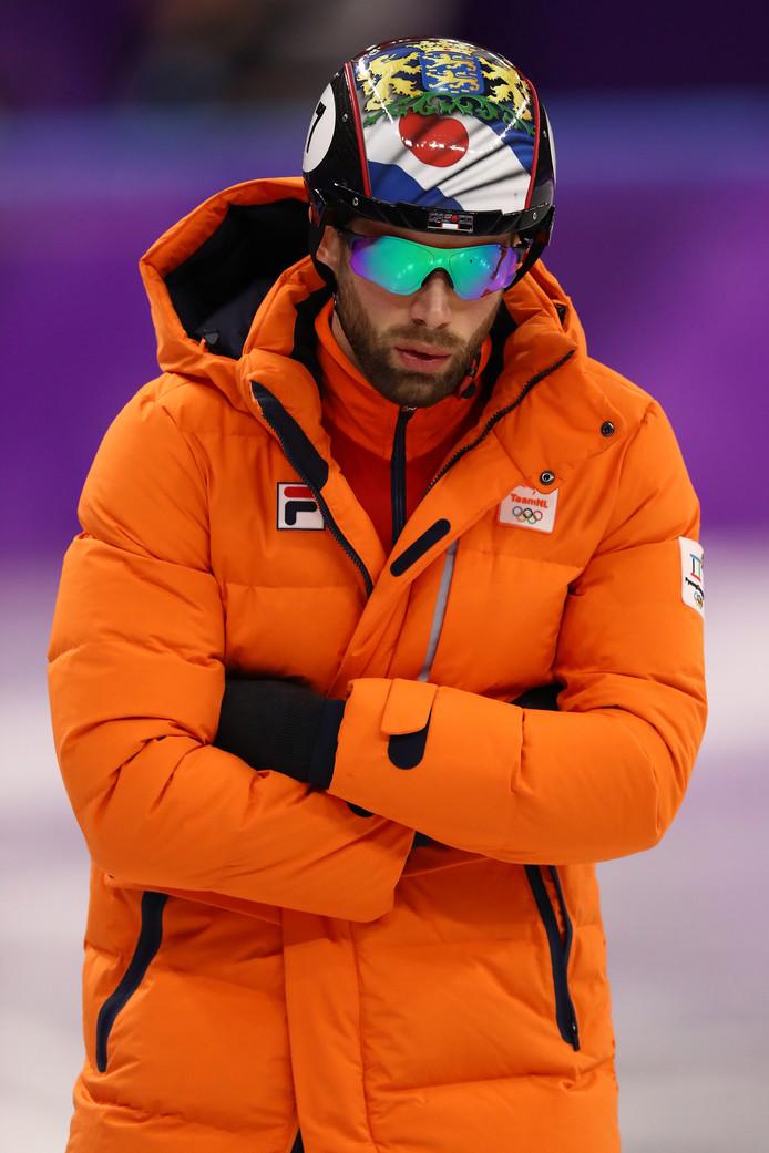 Daan Breeuwsma klopt de winnaar van olympisch goud van Vancouver, Charles Hamelin.