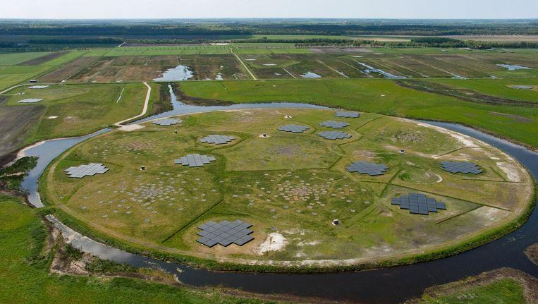 De kern van Lofar: de 'superterp' met antennes bij Exloo. Beeld LOFAR/ASTRON