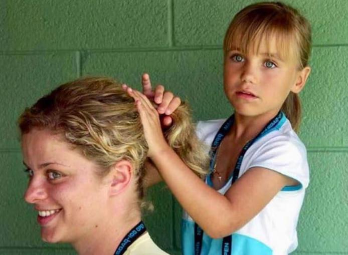 Sofia Kenin, récente gagnante de l'Open d'Australie, et Kim Clijsters en 2005.