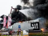 Karwei in Apeldoorn compleet verloren door grote brand