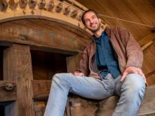 Molenaar Jeroen verkoopt in coronatijd 600 pakken meel per week