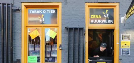 Nieuwsoverzicht   Belgische vuurwerkzaken boos om Nederlands vervoersverbod - Preventief fouilleren na ongeregeldheden