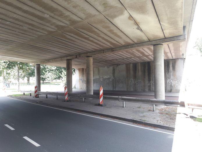 Deze muur wil Jan-Henk van Ieperen voorzien van graffiti.