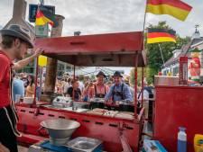 Bier, worst en schlagers in Huissen terwijl rest van Gelderland Market Garden herdenkt