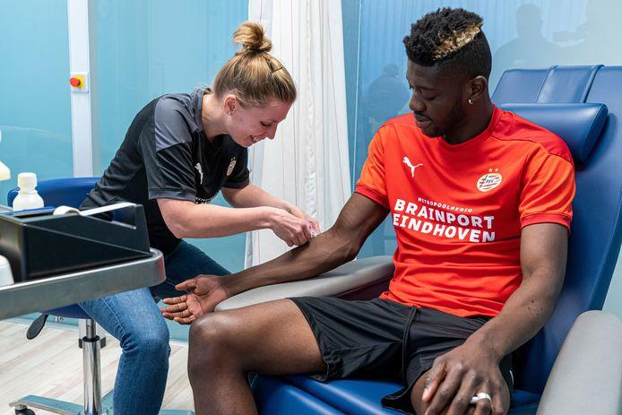 Ibrahim Sangaré bij zijn medische keuring, vorige maand.