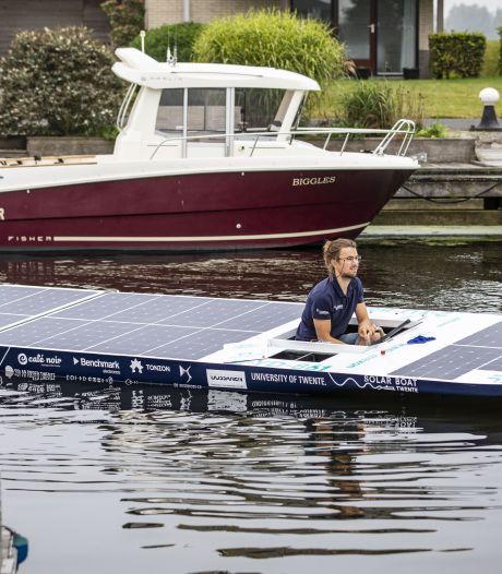 Twentse solarboot bij debuut op Ketelmeer bijna Titanic achterna