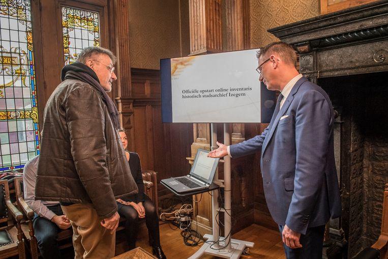 Bertrand mocht de inventaris van het historisch stadsarchief met één druk op de knop online plaatsen.