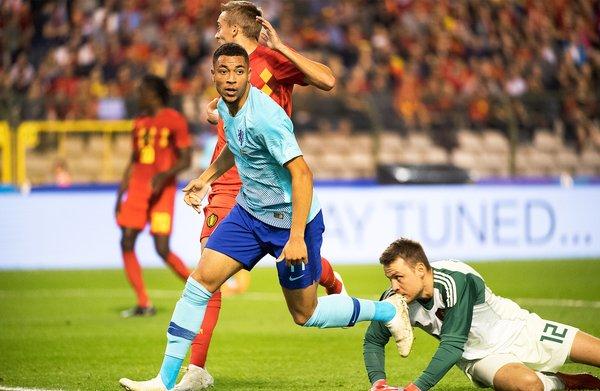 Aardig herfstrapport voor opgeleefd Oranje, dat Belgen op 1-1 houdt