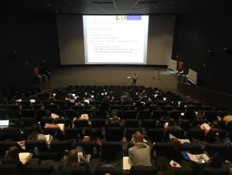 Vives-studenten volgen les in… bioscoop Kinepolis