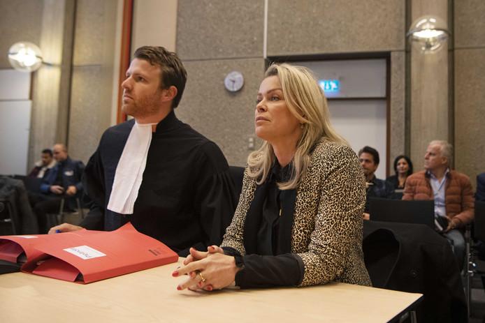Bridget Maasland met haar advocaat Royce de Vries in de rechtbank. D