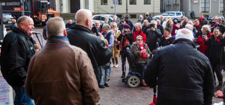 Overlevers houden hun eigen  pensioenmanifestatie in Deventer