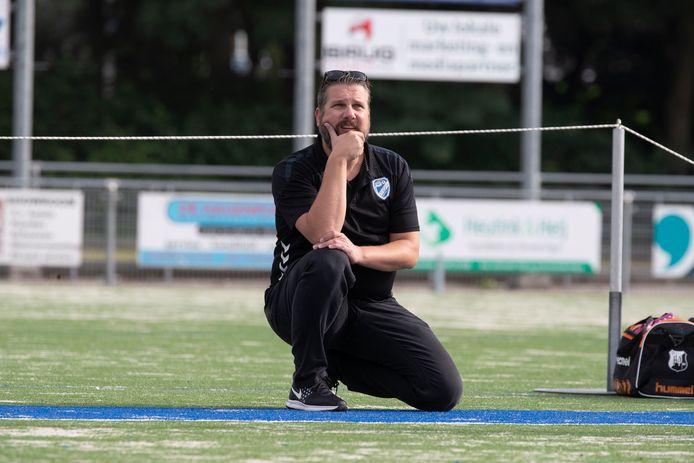 Coach Pascal Zegwaard zag dat Wit-Blauw een opvallende zege boekte tegen Unitas.
