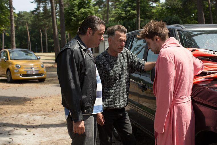 Frank Lammers en Raymond Thiry als criminelen. Beeld Netflix