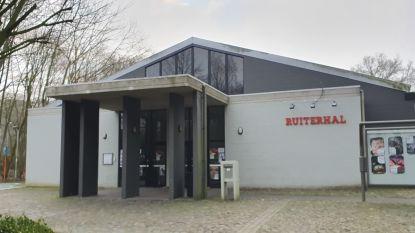 """Oppositie heeft bedenkingen bij dossier Ruiterhal: """"Meer dan 31.000 euro om te bestuderen of een tent mogelijk is, is dat niet wat veel?"""""""