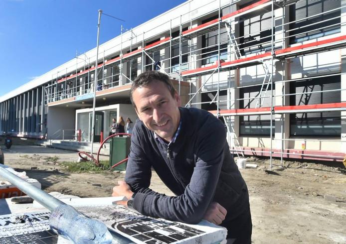 """Arnold Hertsens: """"Ik krijg mails van studenten die een kamer in de stad hebben en vragen of er al nieuwe studio's klaar zijn."""""""