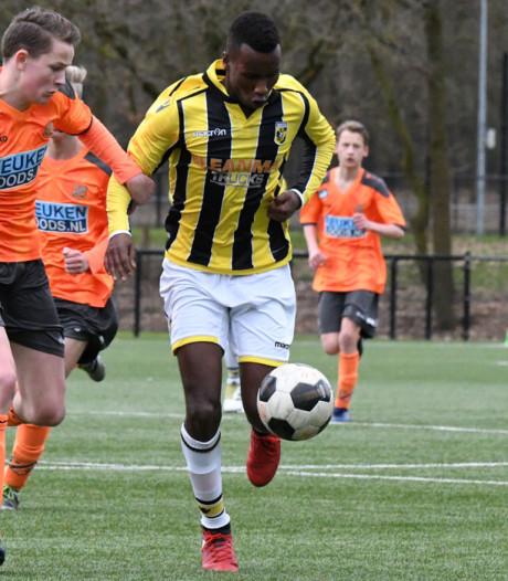 Go Ahead Eagles troeft PEC Zwolle af in strijd om talent Vitesse