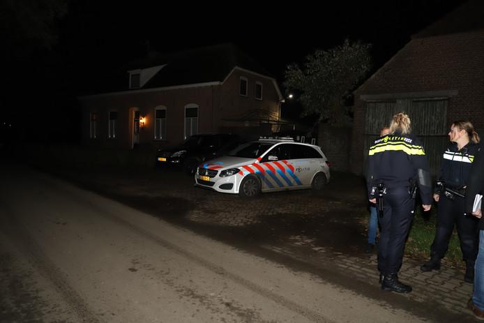 Politie houdt de buurt in de gaten.