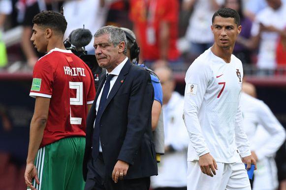 Santos (midden) met Hakimi en Ronaldo.