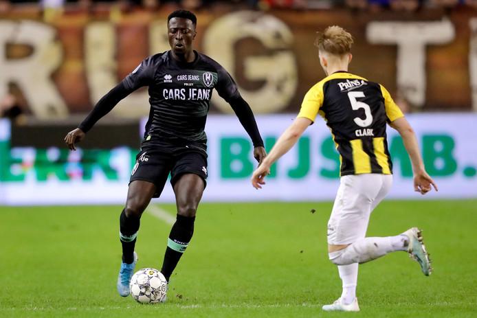 Robin Polley (nog in ADO-shirt) kan rekenen op een basisplaats bij FC Dordrecht in de uitwedstrijd tegen Jong Ajax.