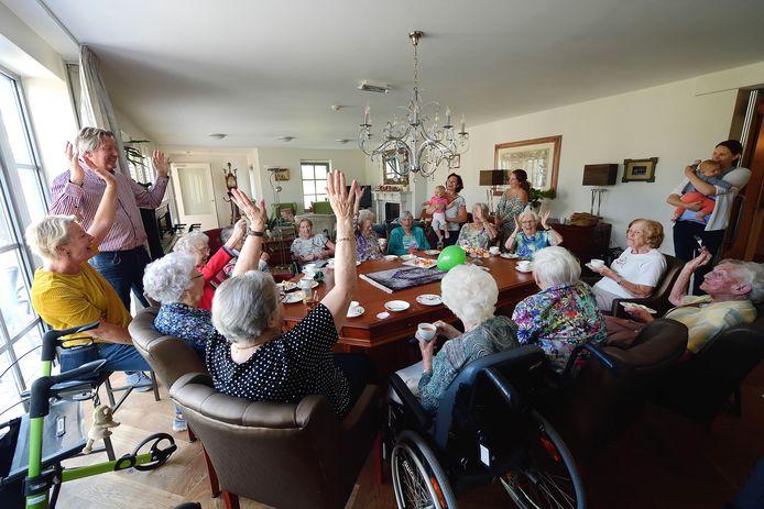 Ter Wal Woonzorg in Lepelstraat: geen verpleeghuis, maar een woongroep van ouderen die hun zorg inhuren.