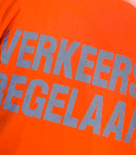 Werkstraf en rijontzegging geëist voor aanrijden verkeersregelaar bij Deltion College