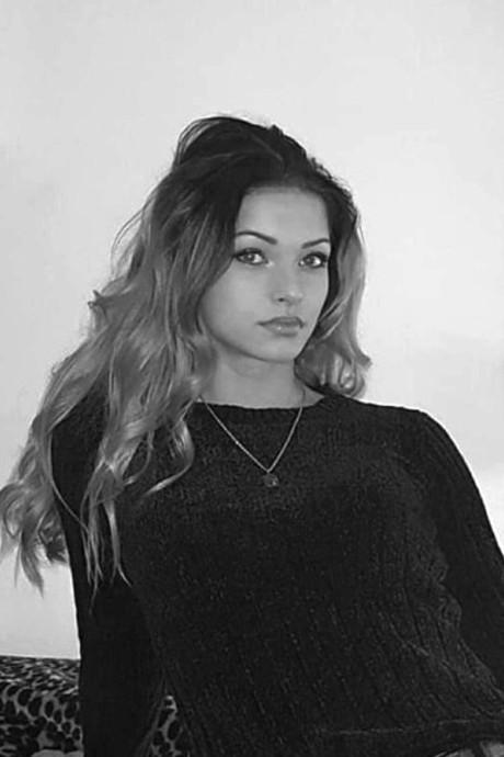 Chiara (22) uit Ermelo stierf op een Duitse snelweg na een lange strijd: 'Nu is gebeurd waar we allemaal bang voor waren'