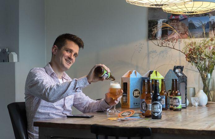 Jan ter Borg heeft spel Raadhetbiertje ontwikkeld. Pakket met daarin vier streek biertjes die een QR-code met zich mee dragen waarmee de bierproeverij gedaan wordt.