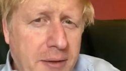 """LIVE. Boris Johnson opgenomen in ziekenhuis, Queen Elizabeth spreekt Britten moed in: """"We will meet again""""- 20-tal woonzorgcentra met grote uitbraken"""