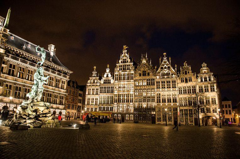 De grote Markt zal in het donker baden op 12 oktober tijdens de Nacht van de Duisternis