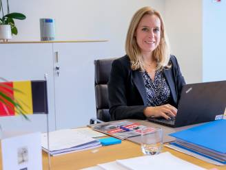 """Kersverse staatssecretaris Eva De Bleeker over haar nieuwe functie: """"Zelfs toen Egbert Lachaert me belde, kon ik het nog niet geloven"""""""