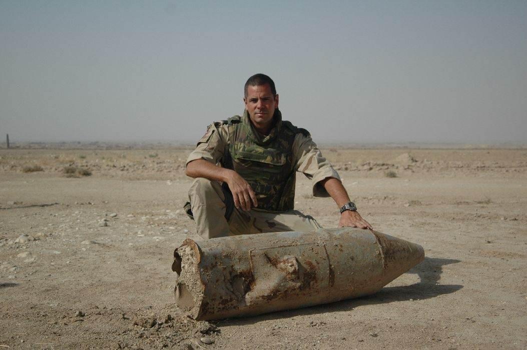 Springstoffen-expert Will Meurer tijdens een van zijn VN-vredesmissies, in Irak.