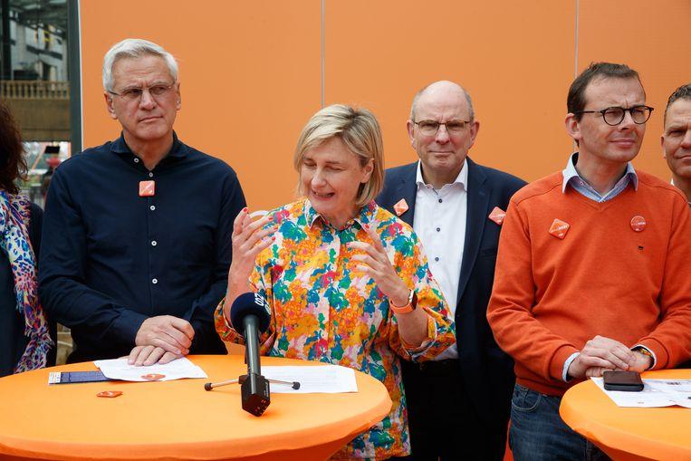 V.l.n.r.: CD&V-politici Kris Peeters, Hilde Crevits, Koen Geens en Wouter Beke op de gezinsdag van de partij in het pretpark Plopsaland.