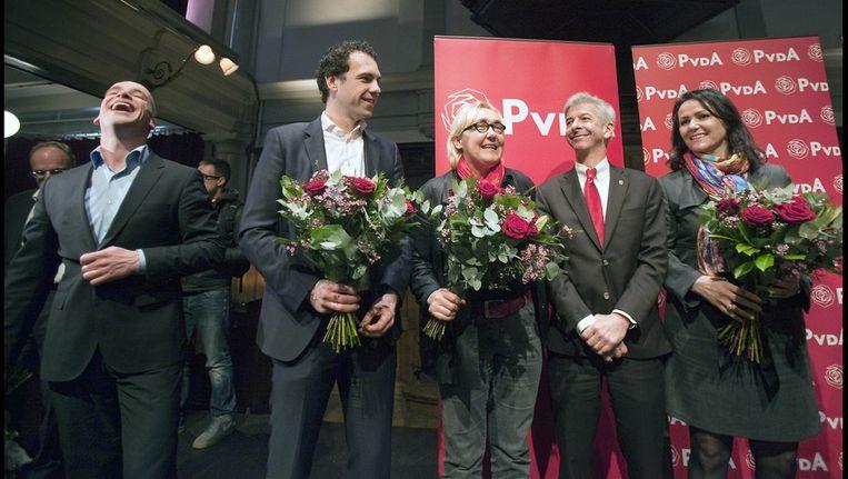 Samsom (links) naast de tegenstanders die hij verslagen heeft: Van Dam, Jacobi, Plasterk en Albayrak (vlnr). Beeld Werry Crone