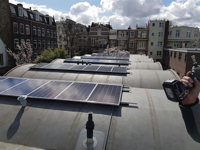 Zonnepanelen op dak appartementen