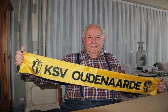 Eric De Bock (85) is al sinds zijn zevende trouwe supporter van KSV Oudenaarde.