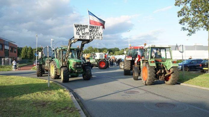 De boerenblokkade bij het Zwolse distributiecentrum van Albert Heijn. Dat gebeurde afgelopen weekeinde ook al.