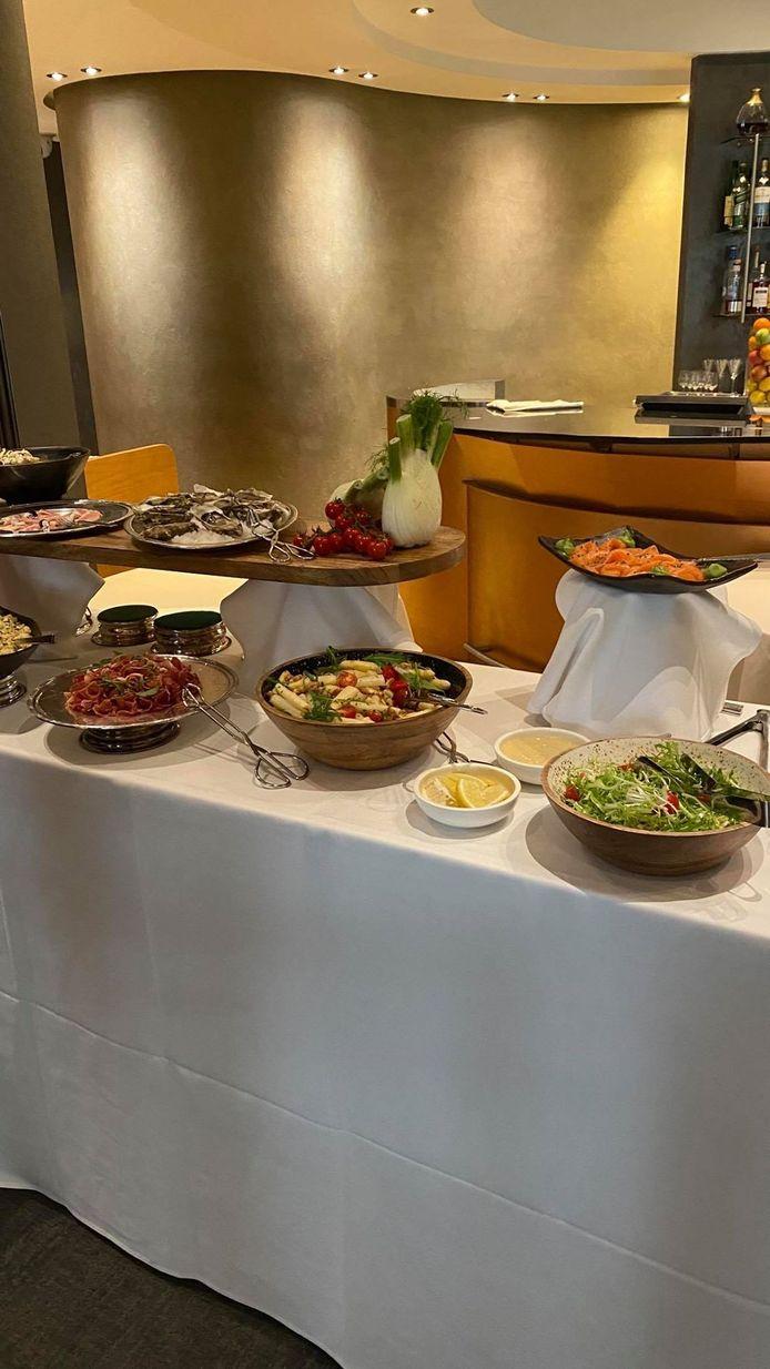 Le buffet n'est pas directement accessible à la clientèle.