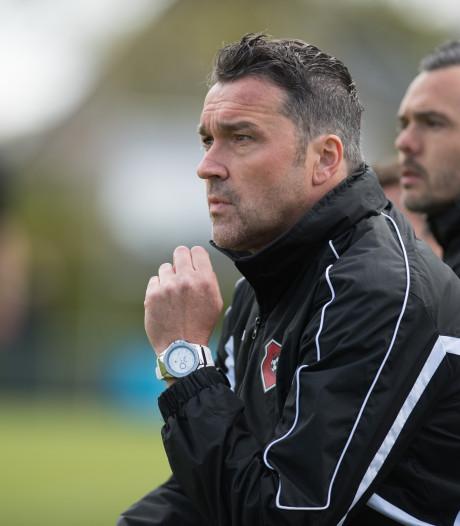 Jan Veldhuizen ook volgend seizoen trainer van VVA Achterberg