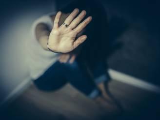Man riskeert 1,5 jaar gevangenis na partnergeweld en exploitatie van prostitutie bij vriendin